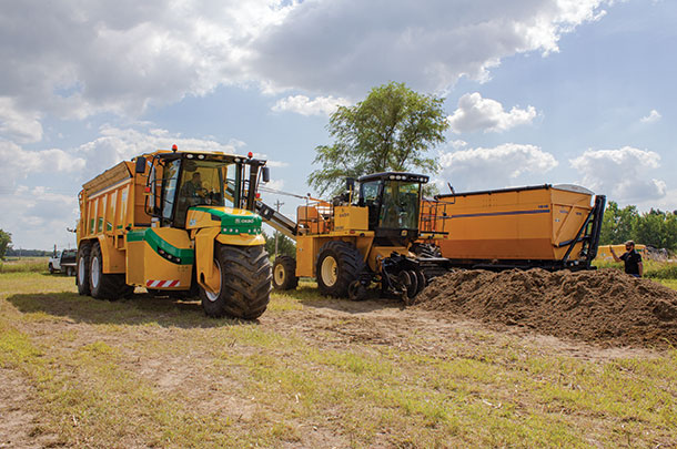 Before the solid manure application demonstrations, Oxbo demonstrated a way to move compost.